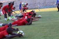 KARARSıZLıK - Evkur Yeni Malatyaspor, Osmanlıspor Maçı Hazırlıklarını Sürdürdü