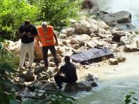 ÜÇÜNCÜ KÖPRÜ - Köprüden Atlayan Gencin Cesedi Bulundu