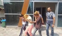 ZİYNET EŞYASI - Kredi Kartı Yardımı İle Ev Soyan Hırsızlar Yakayı Ele Verdi