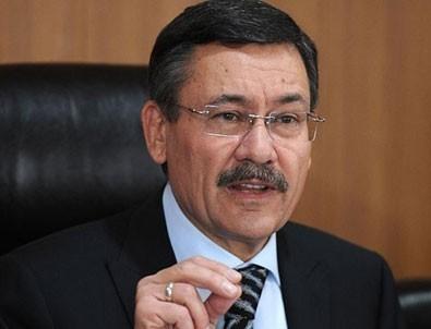 Melih Gökçek: Enis Berberoğlu'nu oyuna getiriyorlar