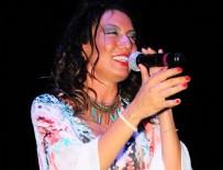 SİBEL TÜZÜN - Sibel Tüzün, Bodrum'da konser verdi
