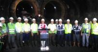 RAYLI SİSTEM - Topbaş Mecidiyeköy- Mahmutbey Metro Hattını İnceledi