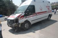 OSMAN ACAR - Vakaya Giden Ambulans Kaza Yaptı