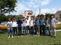 EYÜP SULTAN CAMİİ - Akademi Lise Öğrencilerinden İstanbul Çıkartması