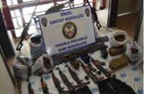 LAV SİLAHI - Bingöl'de DEAŞ Operasyonu Açıklaması Cephanelik Gibi Araç Ele Geçirildi