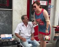 DENİZ SEKİ - Deniz Seki Sokak Müzisyeniyle Düet Yaptı
