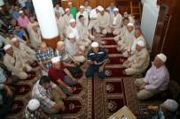 Devrek'ten İlk Hacı Kafilesi Dualarla Uğurlandı