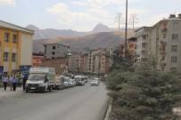 ŞEHİR İÇİ - Hakkari'de Yollar Asfaltlandı Sürücüler Hız Limitini Aştı