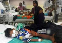 OKSİJEN TÜPÜ - Hindistan'da Hastanede Oksijen Yokluğundan 30 Çocuk Öldü İddiası