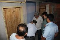 APARTMAN YÖNETİCİSİ - İşi Yarım Bırakınca Yönetici Kapıyı Üzerine Kilitledi