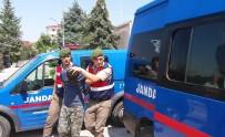 EKMEK FIRINI - Muhtarın Otomobilini Çalan Şüpheli Jandarmaya Yakalandı