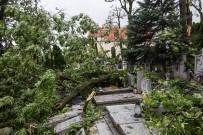 SU KESİNTİSİ - Polonya'da Fırtına Açıklaması 4 Ölü, 28 Yaralı