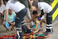 ALI RıZA BEY - Samsun'da İki Otomobil Çarpıştı Açıklaması 3 Yaralı