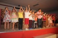 TİYATRO OYUNU - Sarıgöllü Öğrencilerin Tiyatro Gösterisi Beğenildi