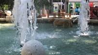 ERDEMIR - Sıcaktan Bunalan Köpek Süs Havuzuna Girdi