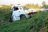 Sürücü Uyudu Tır Kanala Düştü Açıklaması 1 Yaralı
