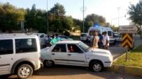 ATATÜRK BULVARI - Üç Aracın Karıştığı Kazada 1 Kişi Yaralandı
