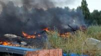 HURDA ARAÇ - Ankara'da Belediyenin Hurda Deposunda Yangın