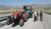 İSMAIL KORKMAZ - Bağlı Olduğu Traktörden Ayrılan Patos Makinesi Devrildi