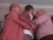 POLİS MERKEZİ - CHP'li belediye başkanı karakol bastı