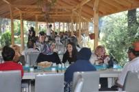ŞEHİT YAKINLARI - Gazi Ve Şehit Aileleri Kahvaltıda Buluştu