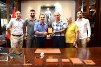 UĞUR YÜCEL - Gümüşhaneliler Derneği'nden Başkan Ataç'a Plaket