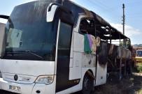 İTFAİYE ARACI - Kastamonu'da 46 Yolcunun Bulunduğu Otobüs Alev Alev Yandı