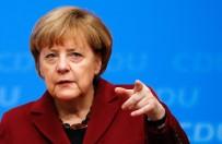 HıRISTIYAN - Merkel'in Hedefi İşsizlik