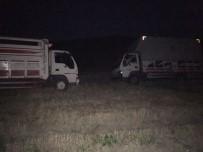 HIRSIZ - NATO Hattından Mazot Çalan Şüpheliler Jandarmayı Görünce Kamyonları Bırakıp Kaçtı