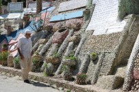 YUMURTA - 550 Bin Mozaik Taşı İle Anıt Yaptı