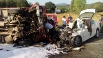 AHMET YıLMAZ - Sakarya'da Katliam Gibi Kaza Açıklaması 1 Ölü, 9 Yaralı
