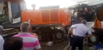 YOLCU MİDİBÜSÜ - Ağrı'da feci kaza: Çok sayıda ölü ve yaralılar var