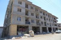 BELEDİYE ENCÜMENİ - Burhaniye'de Belediye 18 Daireyi Satışa Çıkardı