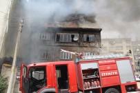 AKPINAR MAHALLESİ - Cadde Üzerinde Çıkan Yangın Büyük Korku Yaşattı