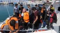 Denizde Motorları Bozulan Mültecileri Sahil Güvenlik Kurtardı