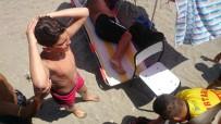 ZEYTINLI - Denize Atlayan Gencin  Başı Yarıldı