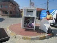 Emet Belediyesinin 'Atık Giysileri Toplama' Projesine İlgi