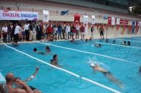 ADANA VALİSİ - Engelliler Yüzme Öğreniyor