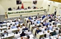 AZIZ KOCAOĞLU - İzmir Büyükşehir Meclisi Gergin Geçti