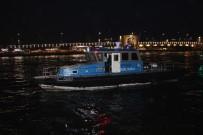 GALATA KÖPRÜSÜ - Karaköy'de Bir Çocuğun Denize Düştüğü İddiası Ekipleri Harekete Geçirdi
