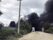 Kimyasal Üreten Fabrikada Çıkan Yangın Korkuttu