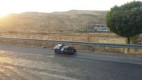 BEŞPıNAR - Motosikletle Minibüs Çarpıştı Açıklaması 1 Ağır Yaralı