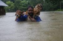 TOPRAK KAYMASI - Nepal'de Sel Ve Heyelan Açıklaması 70 Ölü