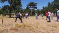 FUTBOL MAÇI - Yaz Dönemi Kurs Öğrencilerinin Piknik Keyfi