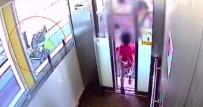 BEBEK ARABASI - Bir Çocuğunu Asansörde Unuttu, Diğerini Raylara Düşürdü