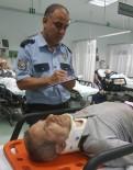 Camiye Klima Takarken Düşüp Hastanelik Oldu