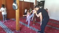 BEKIR KAYA - Devrek'te Öğrencilere Kick-Boks Eğitimi Veriliyor