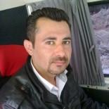 BEYİN KANAMASI - Devrilip 100 Metre Sürüklenen Kamyonetin Şoförü Yaşam Savaşı Veriyor
