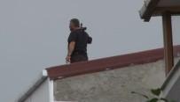 HAREKAT POLİSİ - Esenyurt'ta Binanın Çatısına Çıkan Şahıs Pompalı Tüfekle Rastgele Ateş Açtı