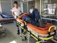 Hafriyat Kamyonu Devrildi Açıklaması 2 Yaralı